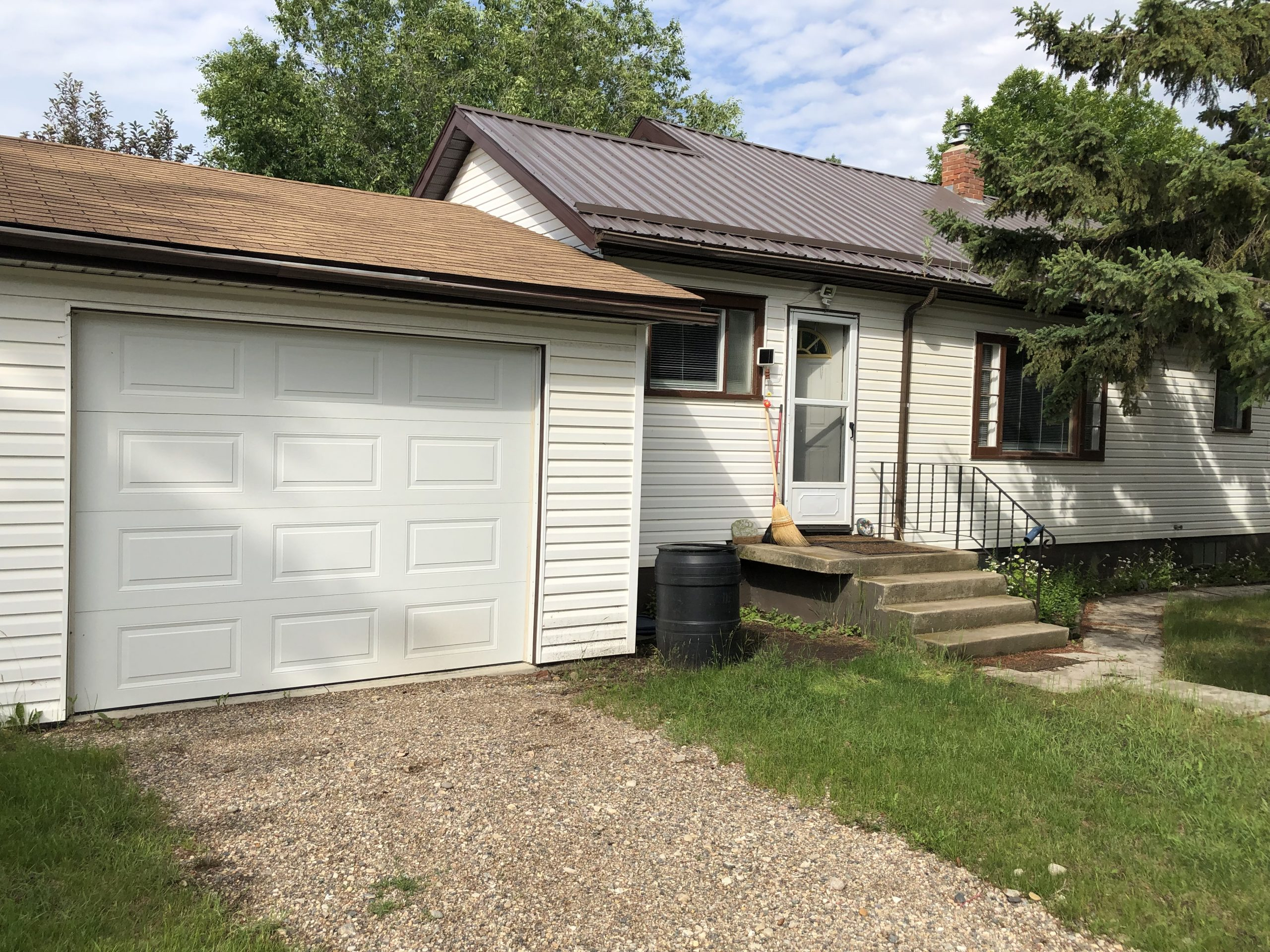 SOLD !! 170 Railway Ave Rosthern